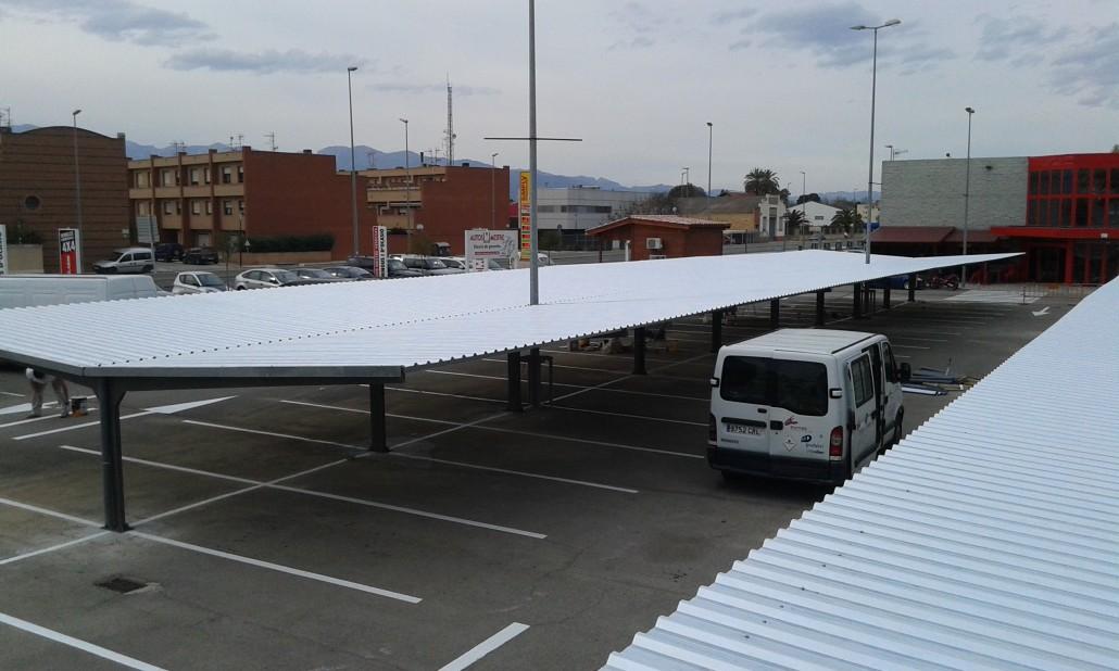 Marquesinas de aparcamiento para supermercados simply en for Parking de coches