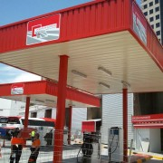 marquesina especial de gasolinera de autobuses en madrid