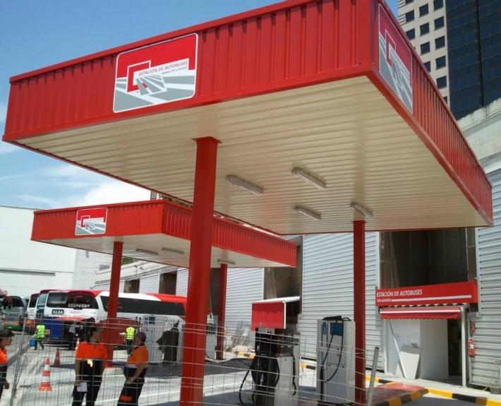 Abri parking spécial à la station service pour autobus à Madrid | Prefabri