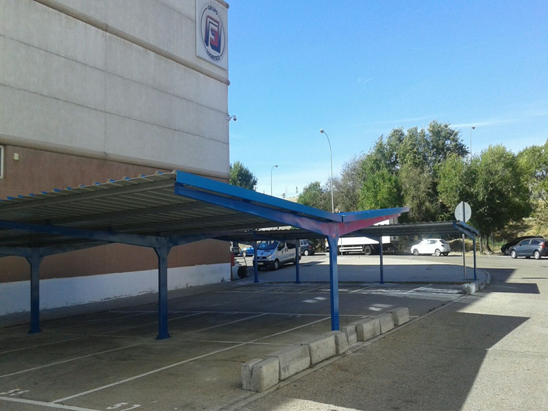 carports pour le parking du supermarche Mercamadrid