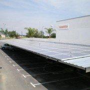 Abris voiture avec panneaux photovoltaiques