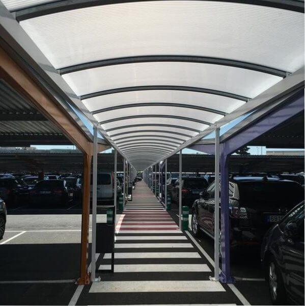 abris voiture metalliques avec une couverture en tole pour l aeroport de madrid 1