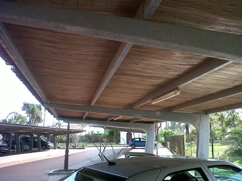 Marquesinas de aparcamiento y techos de parking para coches for Techados para coches