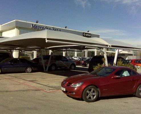 EUROPA PREFABRI Cubiertas textiles en el parking de un concesionario Mercedes Benz
