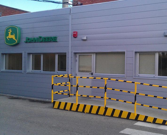 Oficinas prefabricadas para John Deere