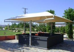 EUROPA PREFABRI- Cubiertas textiles para la terraza de un bar