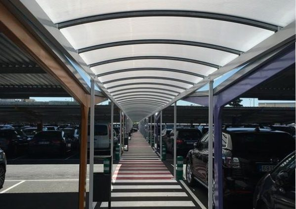 Parking canopies for Madrid Airport